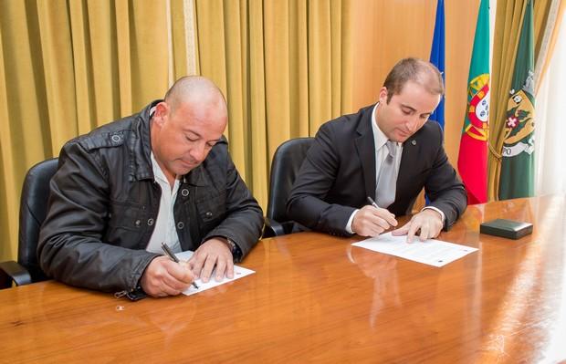 Assinatura da adenda da Associação de Marisqueiros de vila do bispo