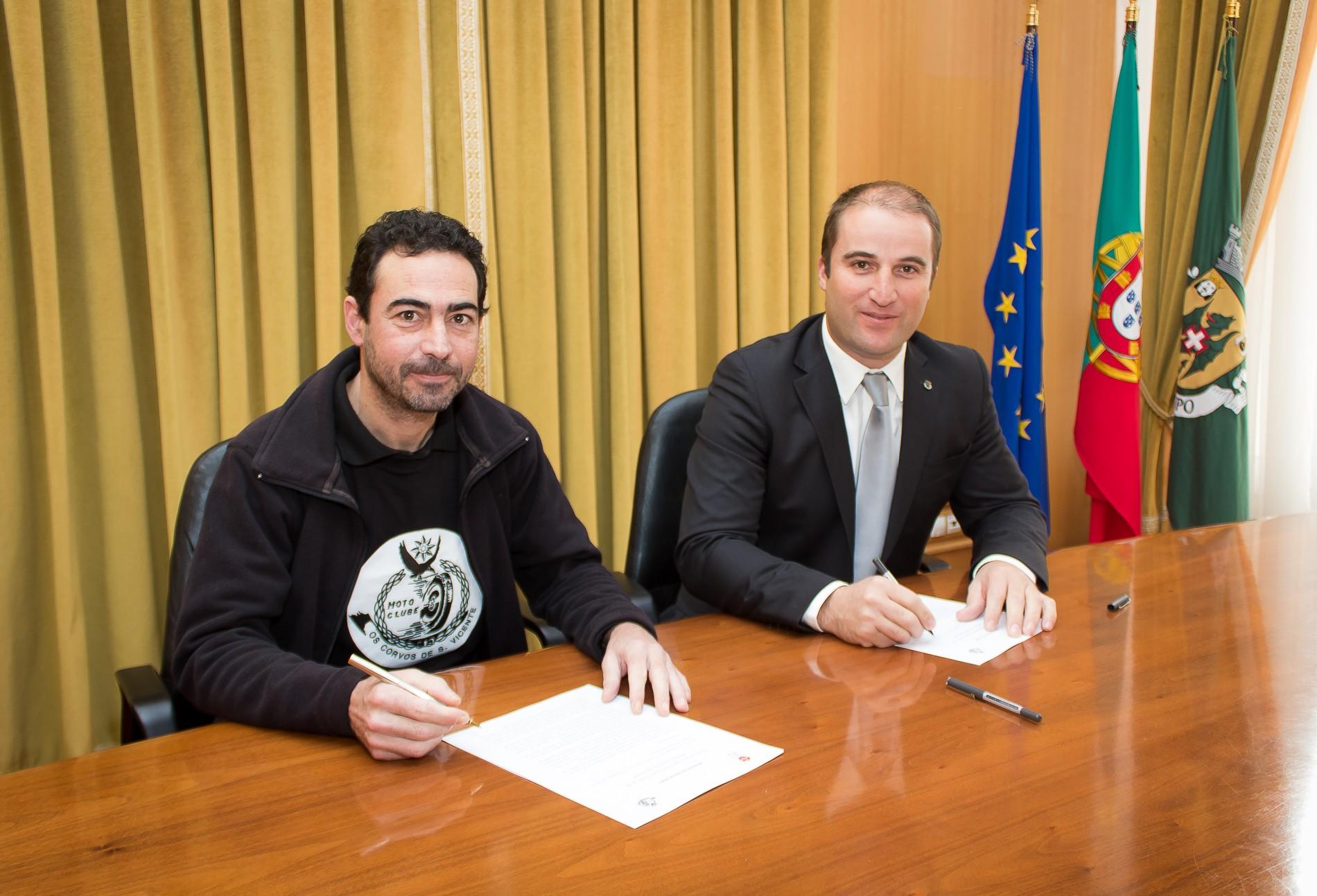 Assinatura  de protocolo Moto Clube Os Corvos de São Vicente