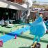 """O desfile """"Eco Star Fashion"""" apresentou no Aquashow, """"Moda Praia"""" em materiais recicláveis"""