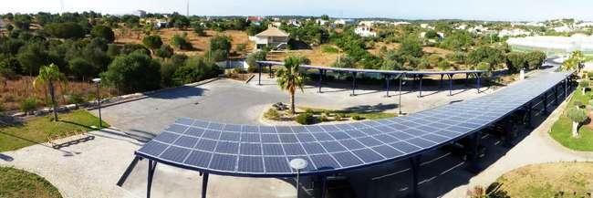 Parque fotovoltaico da Estação de Transferência Faro-Loulé-Olhão, junto à sede.
