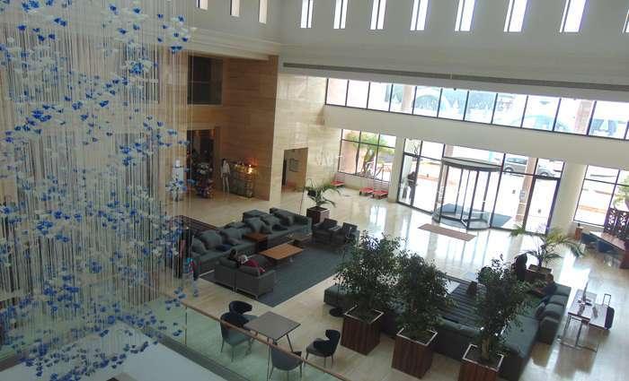 Hilton Vilamoura 'As Cascatas Golf Resort & Spa' renova espaços