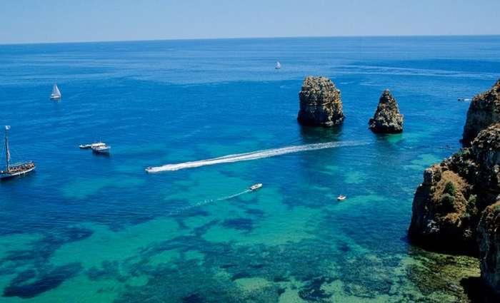 reclama o fim da prospecção de hidrocarbonetos no Algarve