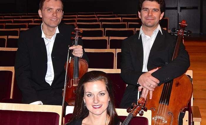 Vivillo Ensemble no Teatro das Figuras em Faro