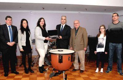 Castro Marim recebe donativo de mecenato da Mundial Confiança
