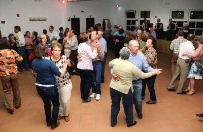 """""""Baila Coração ao Som do Acordeão"""" anima Castro Marim"""