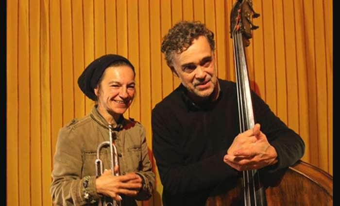 Hilaria Kramer e Ze Eduardo no Cantaloupe Café