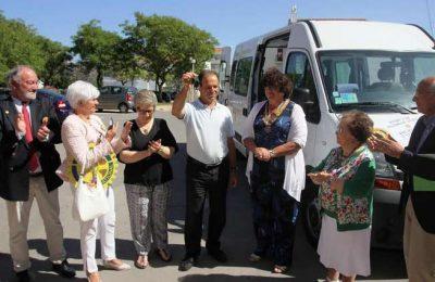 Rotários Franceses oferecem viatura à Fundação Irene Rolo