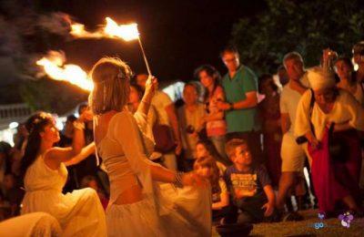 Milhares no Mercado de Culturas… à Luz das Velas