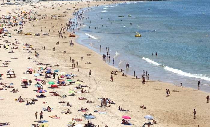 Variação de preços nos destinos de praia em Agosto