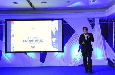 Hotéis Real promovem estagiários com contratos de trabalho