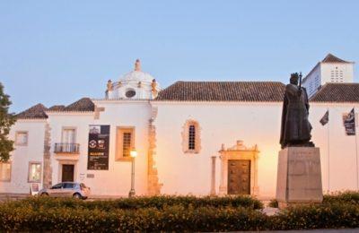 Esconjurações no Museu Municipal de Faro