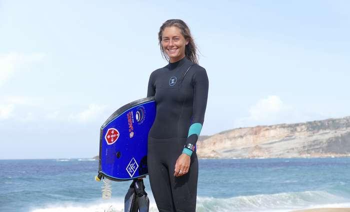 Joana Schenker é tri-campeã nacional de bodyboard