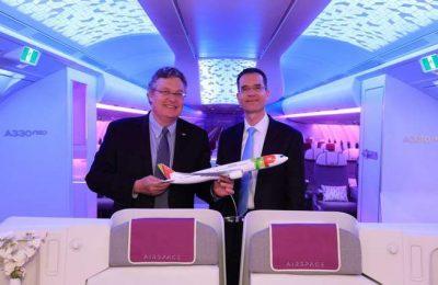 A TAP expõe na na Web Summit a nova cabine Airspace