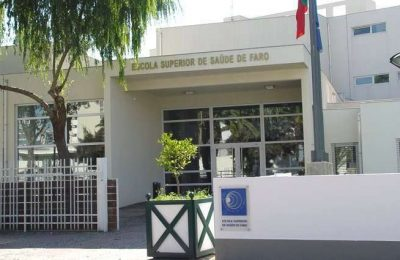 """Conferência """"Questões Éticas e Jurídicas de Saúde"""" em Faro"""