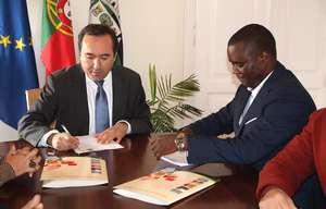 assinatura-acordo-de-colaboracao-saobrasalportel_saomiguel-300-_ab
