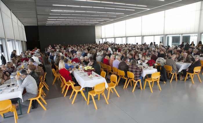 Centenas de idosos na Festa de Natal Senior em Lagoa