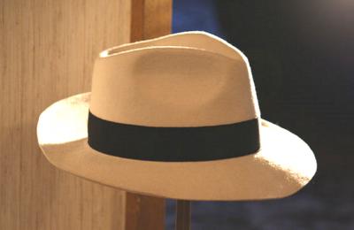 Chapéu de Michael Jackson à venda em Leilão no Catawiki