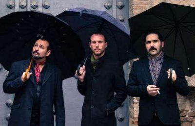 Van Moustache Trio no Cantaloupe Café em Olhão