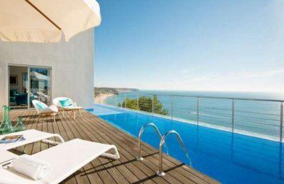 Os 10 hotéis de praia no Algarve eleitos pelo trivago