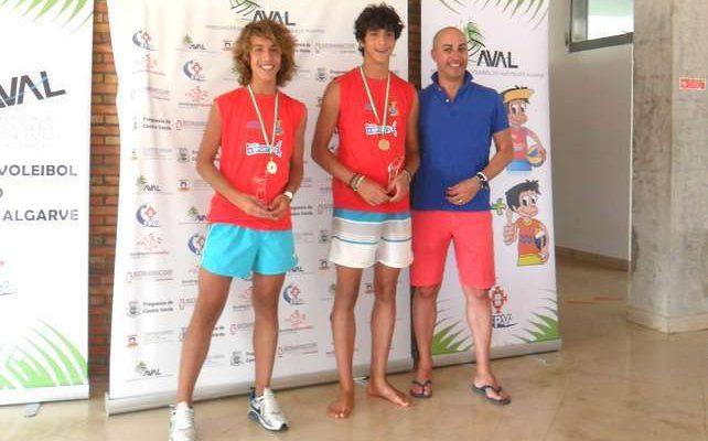 AC de Albufeira é BiCampeão Regional de Voleibol