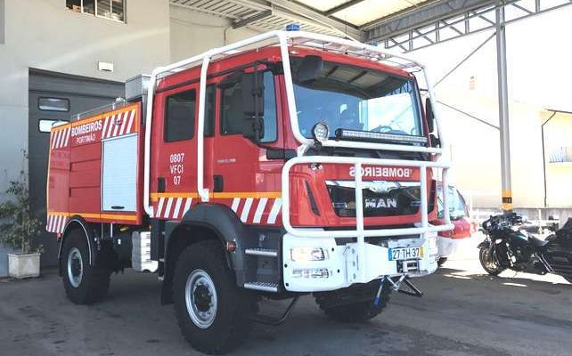 Bombeiros de Portimão tem nova viatura de combate a Incêndios