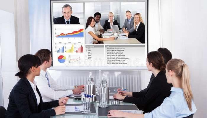 Videoconferência de apoio às empresas de Turismo