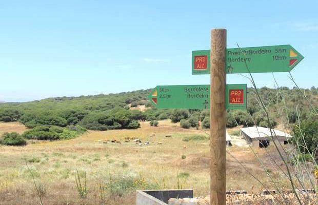 Lançado o novo Guia de Percursos Pedestres do Algarve