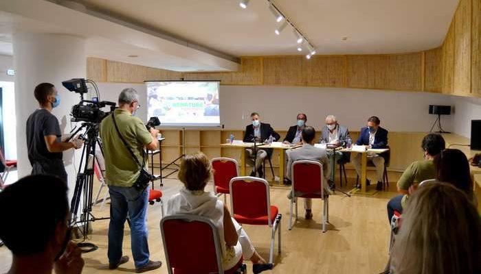 Ryanair contribui para reflorestar a serra de Monchique