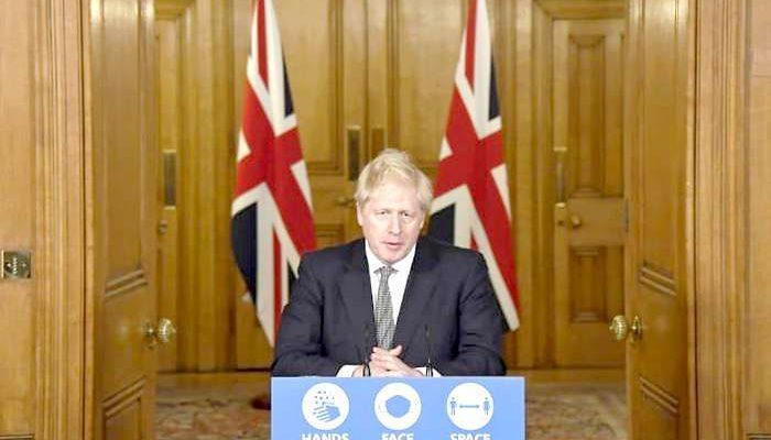 Boris Johnson anuncia restrições mais rigorosas