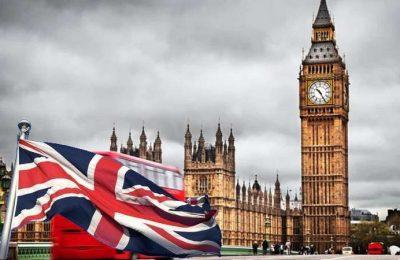 Ingleses defendem que é cedo para reservar férias de Verão