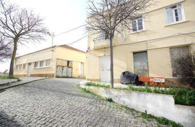 Câmara de Lagos compra imóveis na cidade e no Chinicato
