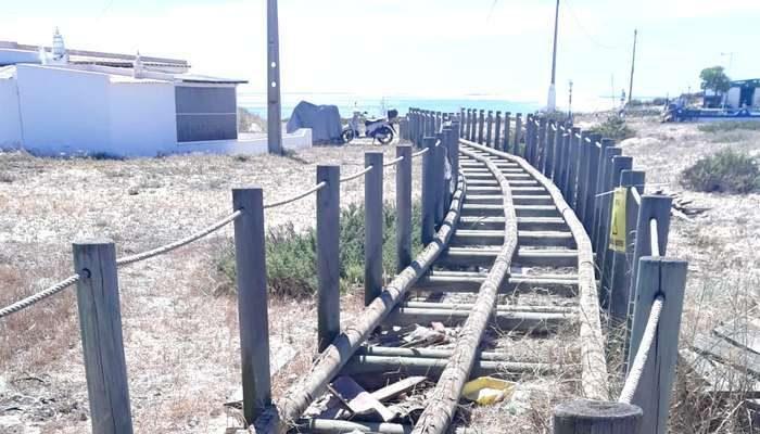 Requalificação do passadiço nascente da Praia de Faro